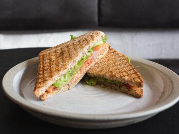 Сендвич с семгой